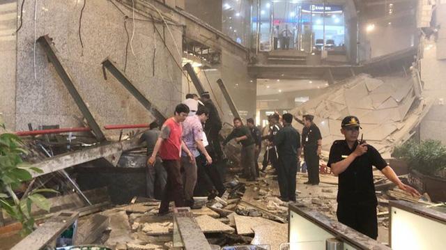 Tầng lửng sàn chứng khoán Jakarta đổ sập, thị trường vẫn giao dịch bình thường