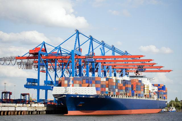 Cước tàu hàng xuất sang Úc tăng gấp 3 lần, Thủ tướng yêu cầu xác minh