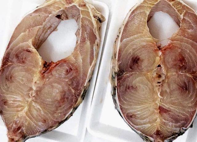 Thịt loại cá này được đánh giá là thơm ngon như cá anh vũ và cá hô nên giá bán thuộc hàng đắt đỏ