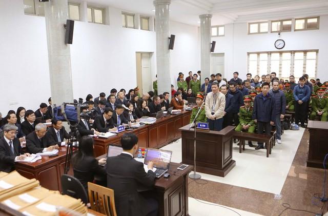 Cựu Chủ tịch HĐTV PVN khai nhận trước tòa. (Ảnh: TTXVN)