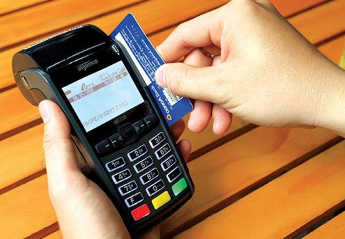 Ngân hàng Nhà nước vừa ban hành quy định hạn mức tín dụng cấp cho chủ thẻ tối đa là 1 tỷ đồng đối với trường hợp phát hành thẻ tín dụng có tài sản bảo đảm