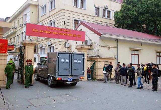 Bị cáo Trịnh Xuân Thanh được dẫn giải vào phòng xét xử nghe tuyên án