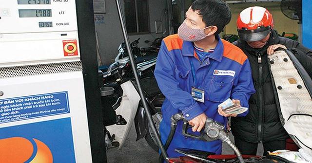 Cận Tết Mậu Tuất, chỉ số giá tiêu dùng tăng nhẹ do xăng dầu và dịch vụ y tế