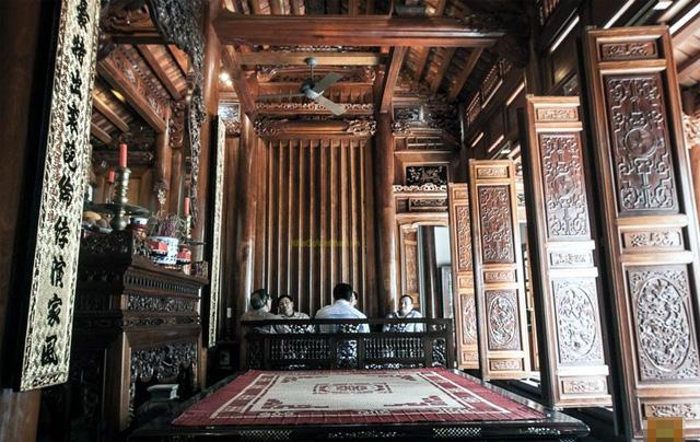 Nhà gỗ thường là nơi thờ tự, không phù hợp với nếp sống hiện đại của thế hệ trẻ