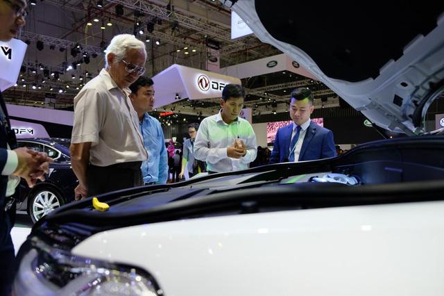 Giá xe đầu năm tiếp tục biến động rất mạnh, điểm báo cho năm không yên ổn đối với thị trường xe Việt