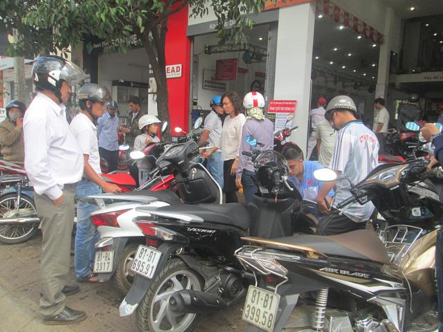 Dịp Tết người dân đã đổ xô đi đến các tiệm xe để sửa chữa, tân trang