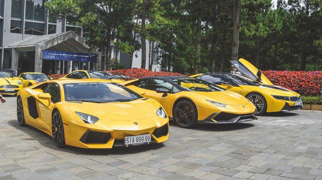 Đại gia Việt rủng rỉnh tiền tỷ, mua siêu xe vẫn chây ì nợ nần
