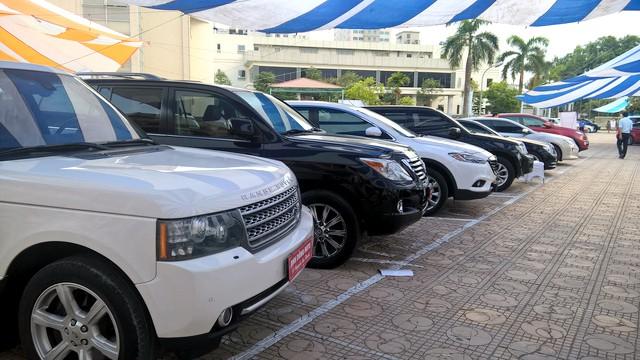Mua ô tô 300 triệu đồng: Rước nợ vào thân, sai lầm đốt túi