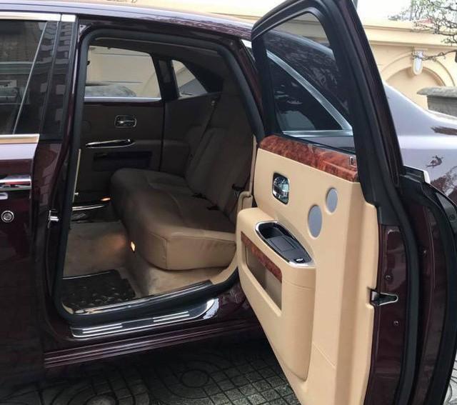 Khoang sau của chiếc Rolls-Royce Ghost.