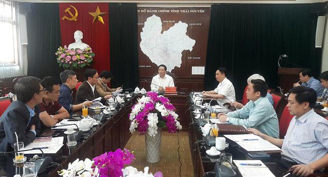 Ông Đoàn Văn Tuấn, Phó Chủ tịch UBND tỉnh Thái Nguyên chủ trì cuộc họp nghe các sở, ngành, địa phương báo cáo tiến độ thực hiện Dự án Hồ Núi Cốc.