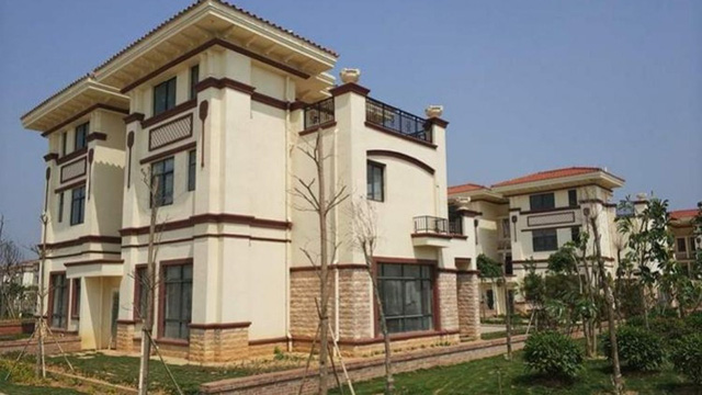 Đại gia bỏ gần 800 tỷ đồng xây 258 căn biệt thự hạng sang cho cả làng ở