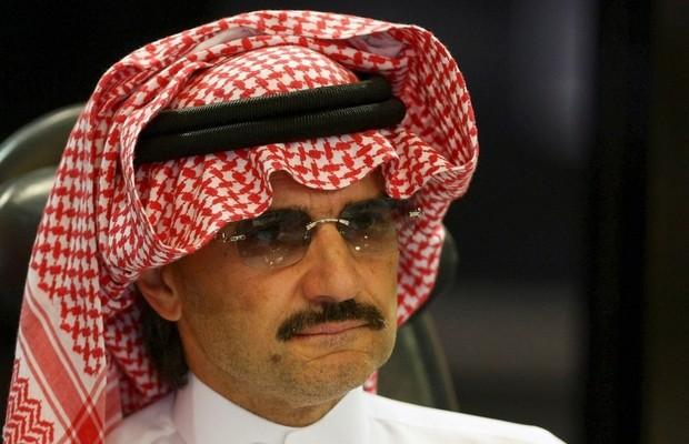 Vừa ra tù, tỷ phú giàu nhất Ả rập Xê Út tự tay