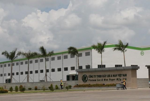 Nhà máy giấy Lee & Man lại bị dân than gây ô nhiễm