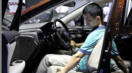Tiêu thụ xe tháng 4: Lexus chỉ bán 1 xe,