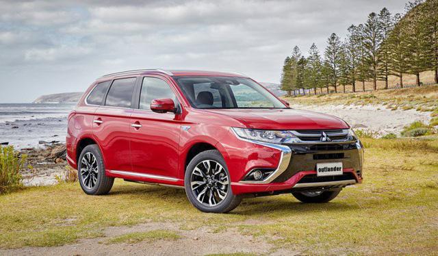 Mitsubishi Outlander cũng điều chỉnh giá bán đối với phiên bản 2.0 CVT, tăng thêm 15 triệu đồng
