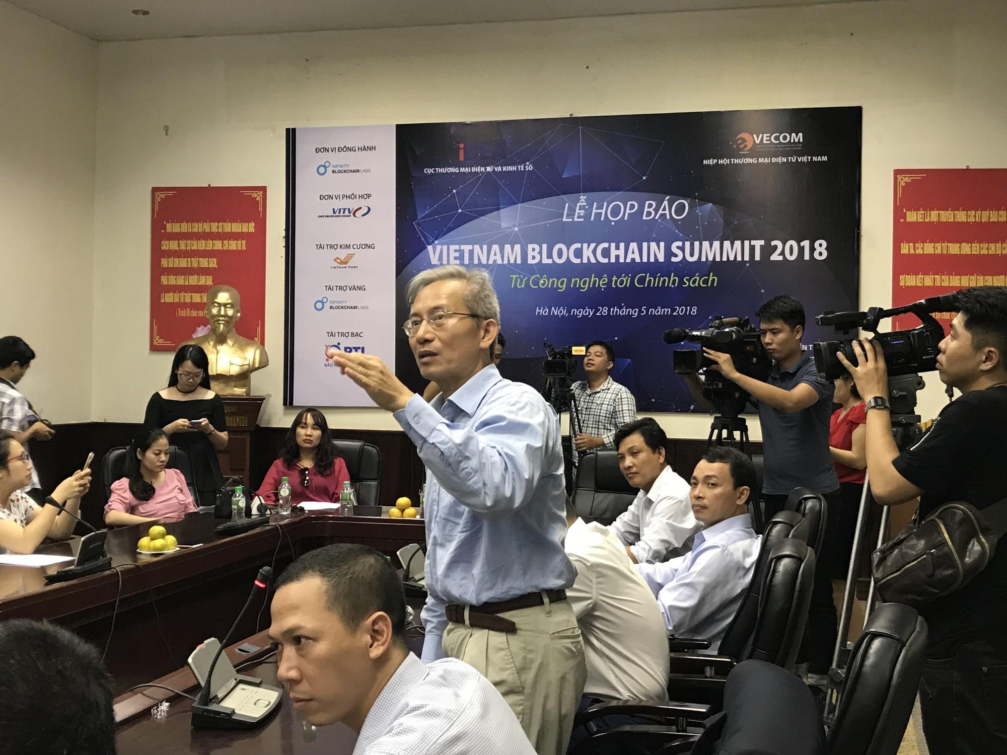 Thời đại kinh tế số, nhiều người đua nhau đi học về blockchain