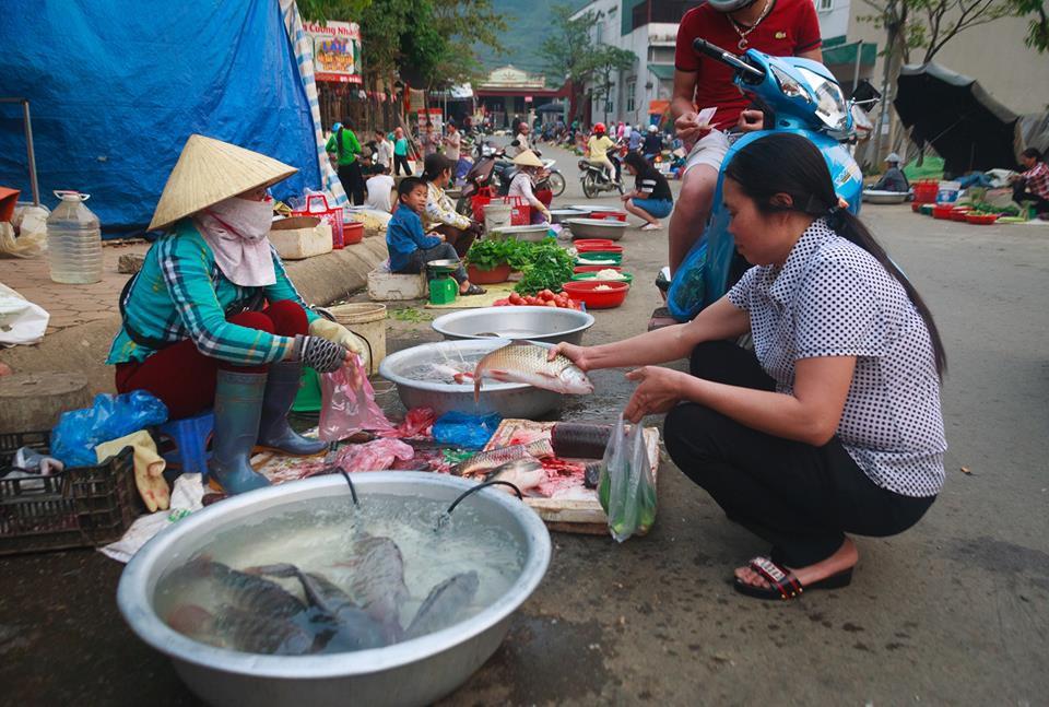 Kinh doanh tại chợ phải được UBND duyệt phương án kinh doanh?