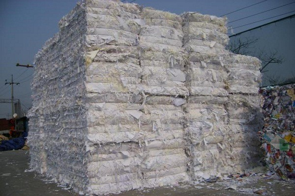 Nhà máy bột giấy tái chế Trung Quốc: Thành phẩm sạch mang về, rác ở lại Việt Nam