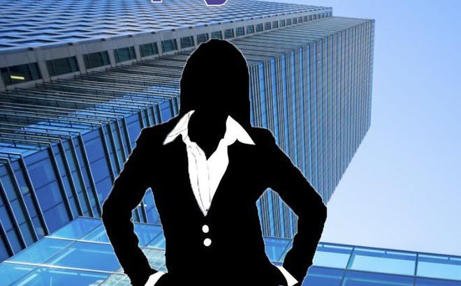 """Ái nữ Chủ tịch """"bung"""" hơn 200 tỷ đồng cùng cha """"nắm"""" nửa công ty"""