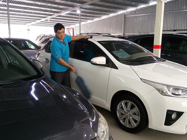 Ô tô cũ lẫn ô tô mới đều thiếu khiến khách hàng chịu thiệt. Ảnh: Quang Huy