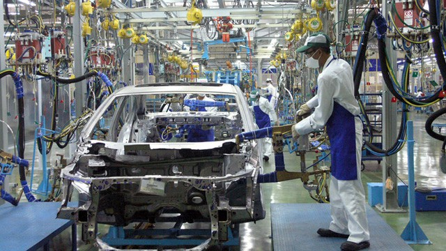 Sau 5 tháng bỏ thuế, xe nhập khó về, xe trong nước vẫn làm chủ thị trường