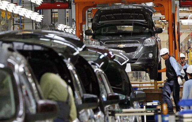 Ô tô nhập khan hiếm chưa từng có, đặt tiền tỷ xếp hàng chờ 2019