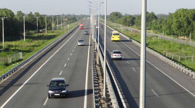 Phó Thủ tướng yêu cầu tháo mọi vướng mắc để cao tốc Bắc-Nam về