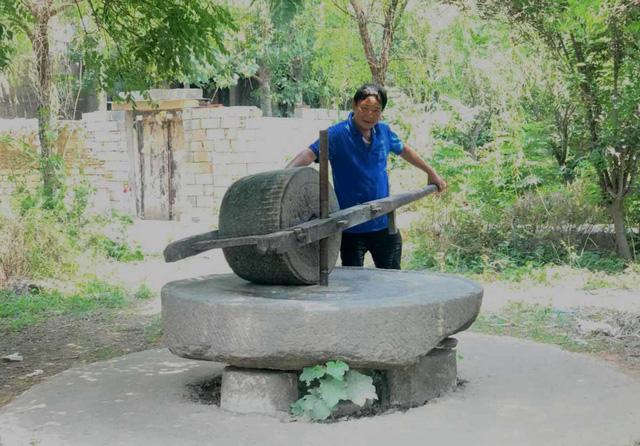 Cối đá được đại gia ở Đồng Nai mua với giá 160 triệu đồng