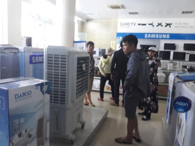 Quạt điều hòa cũng là giải pháp chống nóng mà người tiêu dùng tìm đến.