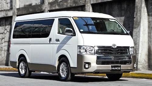 Mẫu xe Hiace nhập khẩu Thái Lan được giảm tới 210 triệu đồng.