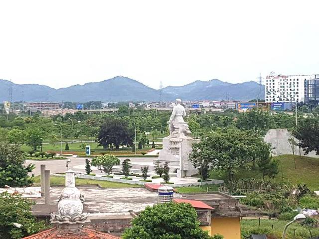 Ngoài hơn 17.000m2 đất cho mượn làm dự án sân tập golf, UBND tỉnh Bắc Giang còn cho doanh nghiệp khác thuê cả chục nghìn m2 đất công viên Hoàng Hoa Thám làm dự án.