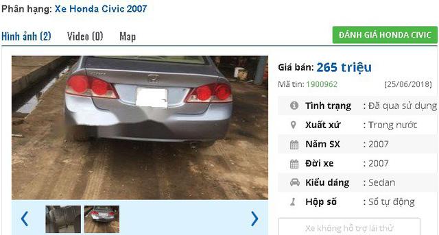 Honda Civic có lẽ là chiếc ô tô cũ được rao bán nhiều nhất trong tầm giá 200 triệu đồng của Honda. Chiếc ô tô trên đây là Civic đời 2007 và có giá rao bán 298 triệu đồng.