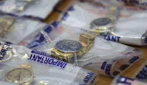 Cảnh sát tịch thu được 2,5 triệu HKD tiền mặt. (Nguồn: SCMP)