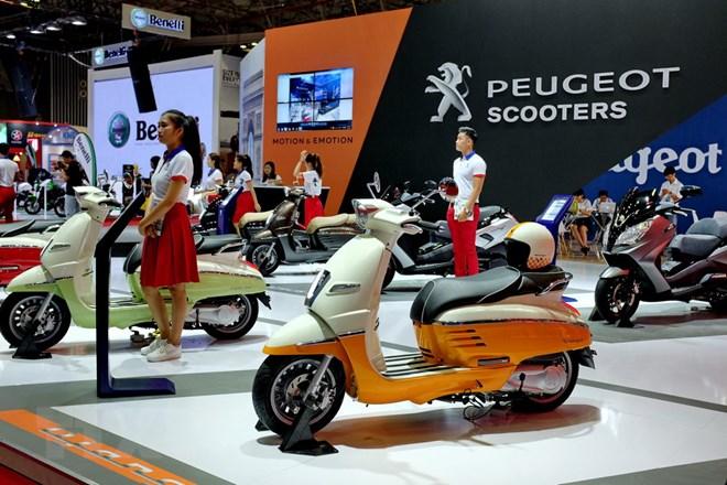 Các thương hiệu xe máy, môtô nổi tiếng được giới thiệu tại Vietnam Motorcycle Show 2017. (Ảnh: Thế Anh/TTXVN)