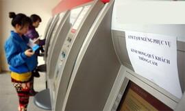 Bộ Công Thương yêu cầu ngân hàng báo cáo việc đồng loạt tăng phí ATM