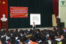 """Trap học bổng """"Chuyện nhà Dr. Thanh"""" cho học sinh nghèo vượt khó tại Ba Vì, Hà Nội"""
