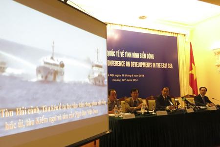 Nhìn lại hơn 40 năm khai thác, thăm dò dầu khí của Việt Nam trên biển Đông