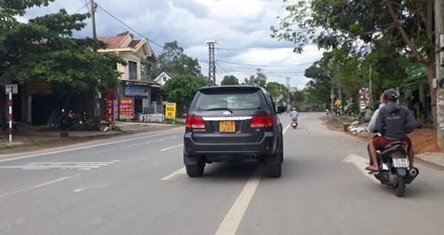 Taxi truyền thống muốn đổi biển số màu vàng cho các xe như Grab