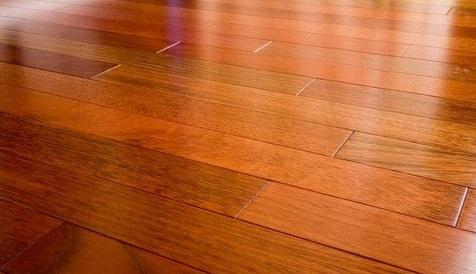 Mẹo làm sạch sàn gỗ