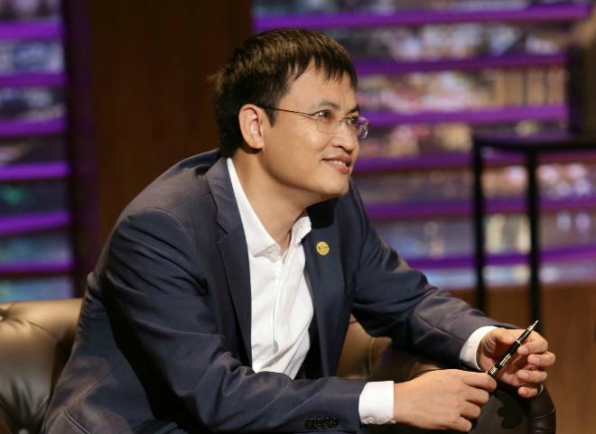 """Ba năm thua lỗ, cổ phiếu bị """"đá"""" khỏi sàn, Shark Vương từ chức Chủ tịch TH1"""
